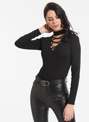 Styletag Yaka Detaylı Bluz Siyah